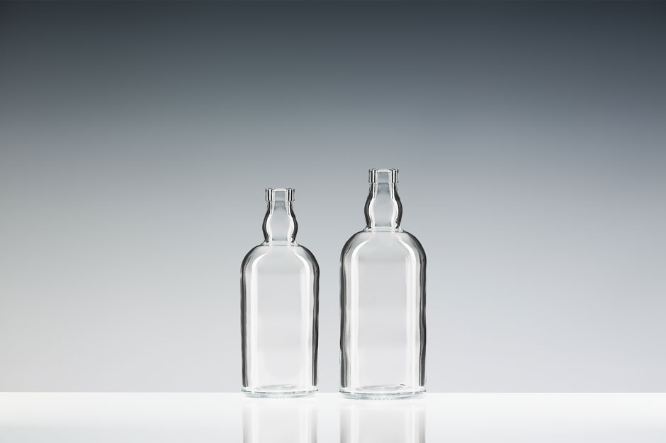 cristallo-spirituosenflasche-loch