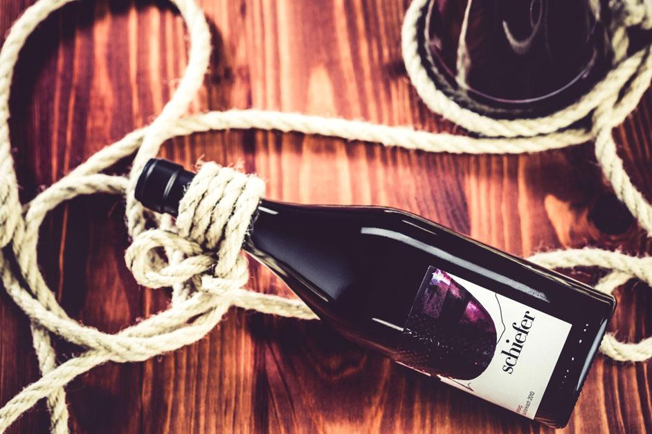 schiefer-rotweinflasche